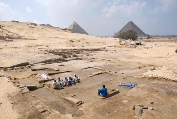 Scoperta una grande residenza a Heit el-Ghurab, vicino alle piramidi di Giza