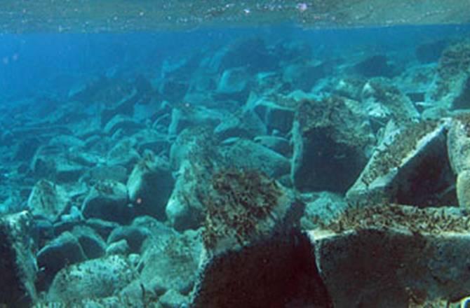"""Nelle acque dell'isola di Delo ritrovata  una """"piccola Pompei sottomarina"""""""